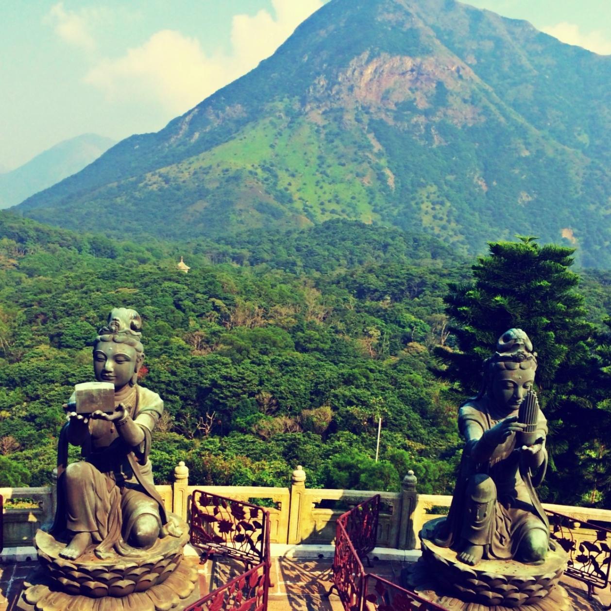 Lantau Island's Tian Tian Buddha 2 Days in Hong Kong