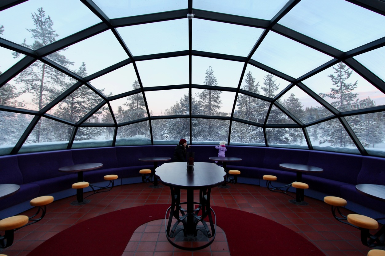 glass igloo bar finland