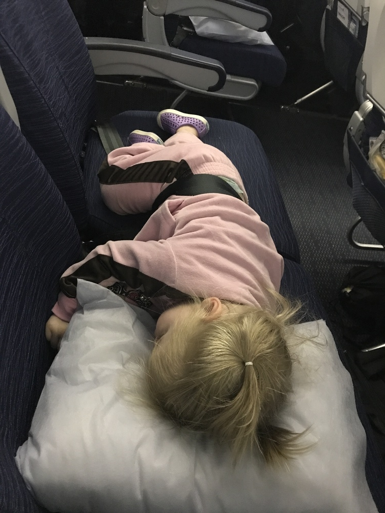getting toddlers to sleep on flights