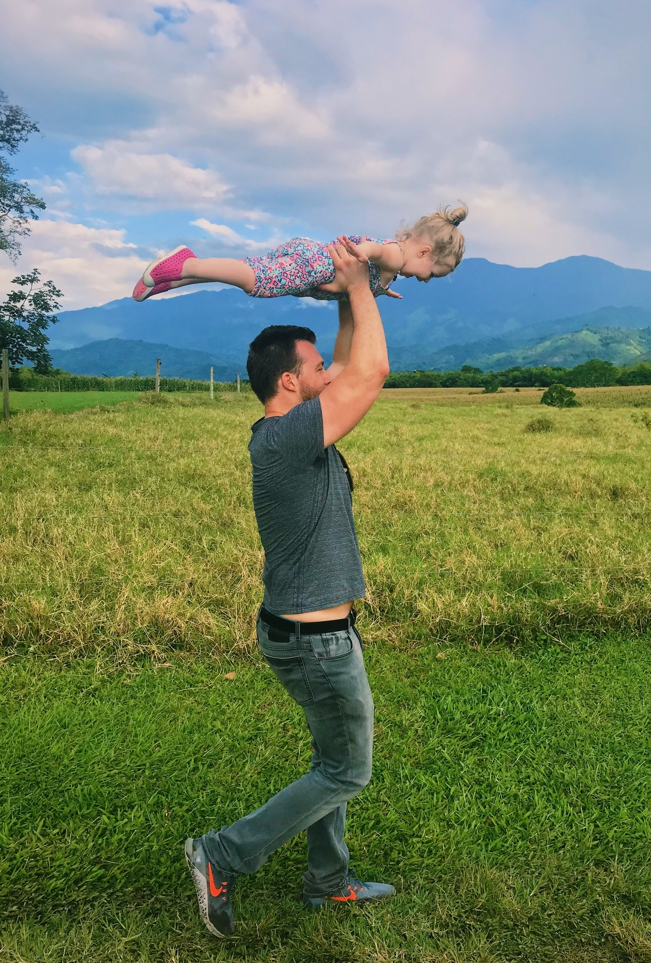 toddler travel colombia
