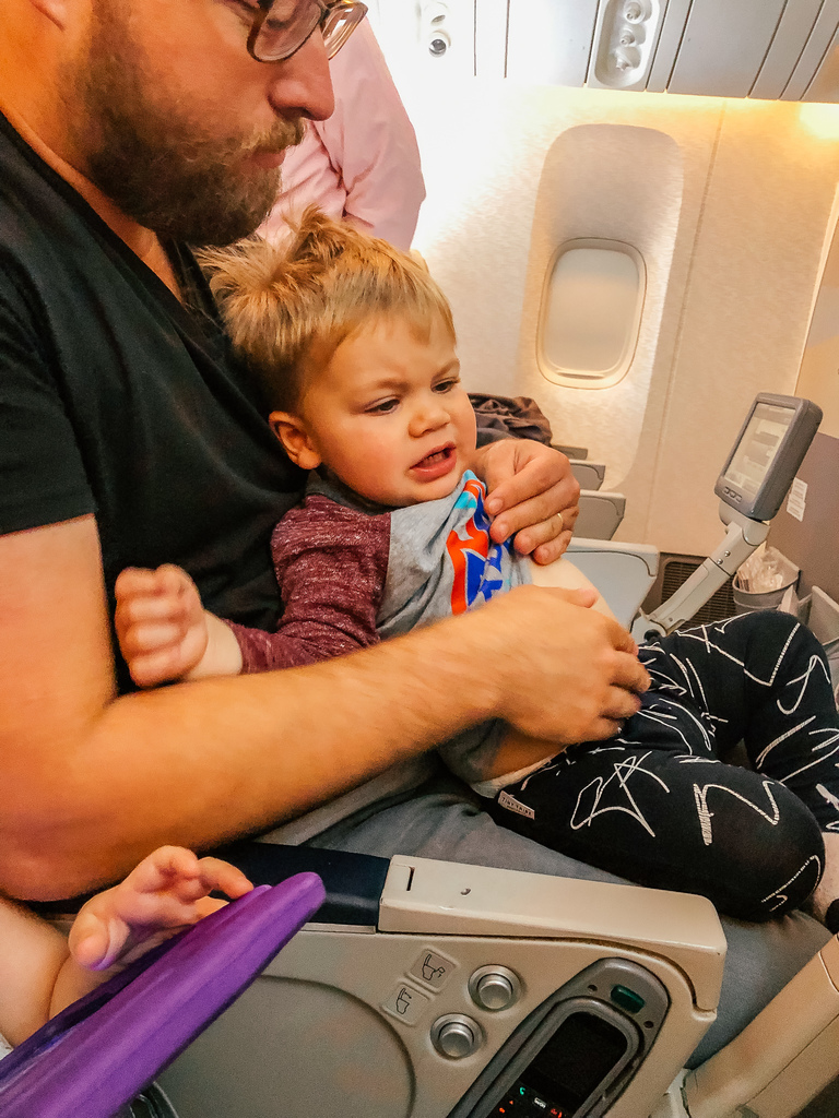 kids on flights